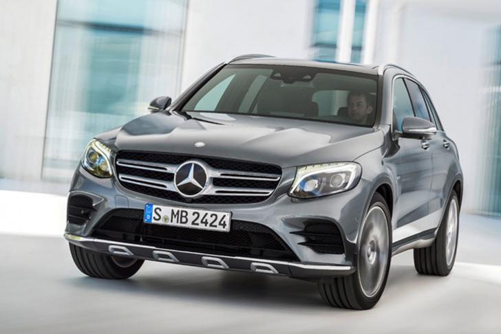 Benz случайно продемонстрировал новый кроссовер GLB без камуфляжной защиты