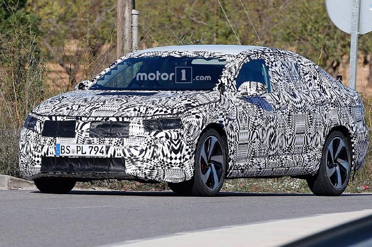 Размещены шпионские кадры нового VW Jetta GLI