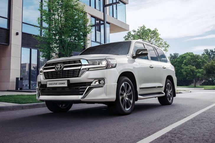 Toyota обновила LC 200 в версии Executive Lounge