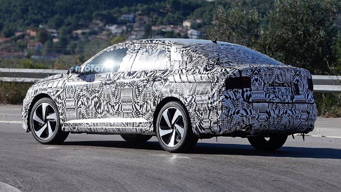 Новый седан VW Jetta GLI «засветился» нашпионских фото